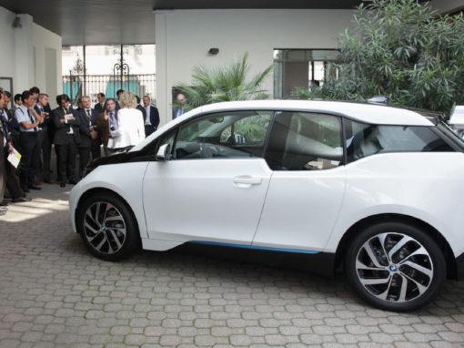 Alphabet – Lancio BMW i3